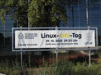 Banner vor dem HSZ 2005